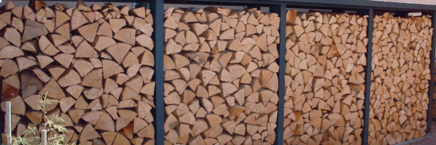 bois de chauffage frontignan la sarl jullian vous conseille en mati re de stockage du bois de. Black Bedroom Furniture Sets. Home Design Ideas